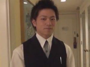 【ゲイ動画ビデオ】新人ベルボーイの鷹宮圭吾クンが宿泊客から脅迫されてチンポやアナルを弄ばれてレイプされてしまう…ww
