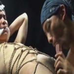 【無修正ゲイ動画】亀甲縛りのウケと褌のタチが排泄穴交尾…背面騎乗位で射精を迎え見事な飛びを魅せるザーメンww