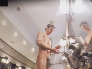 【無修正ゲイ動画】ゲイがノンケを盗撮!公衆浴場で体を洗っている男の無防備な姿を見ることができちゃいますww
