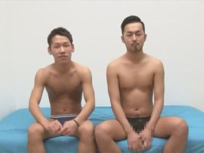 【ゲイ動画】スジ筋な2人のケツ割れサポーターをつけた男がアナルセックスをして愛し合うことになるww