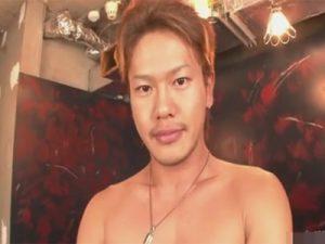 【無修正ゲイ動画】引き締まった体が魅力的なイケメン男優が本気のオナニーを見せつけてくれるww