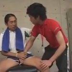 【ゲイ動画】ジム通いのマッチョがトレーナーのイケメンを襲ってアナルセックスを楽しみ続けてしまうww