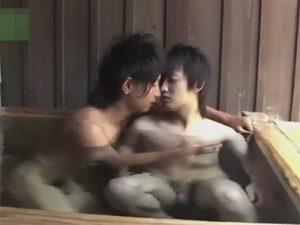 【ゲイ動画ビデオ】雰囲気が良い露天風呂を貸し切りながらアナルセックスをするイケメン2人が見られるww