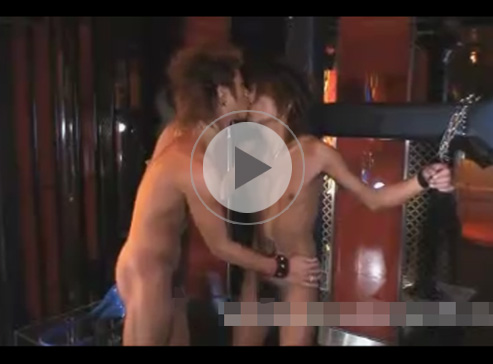 【無修正ゲイ動画】色黒のゲイカップルがラブホテルのSMルームで荒々しいアナルセックスをして愛し合うww
