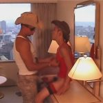 【ゲイ動画】カウボーイ姿の2人がホテルでハードに腰を振り続けて立ちバックや正常位で絶頂しちゃうww