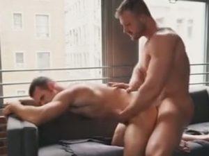 【無修正ゲイ動画】ダンディでマッチョな白人男性2人のアナルセックス姿を堪能することができちゃうww