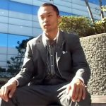 【ゲイ動画】中田英寿似のノンケリーマンに密着…事務所でテレクラオナニーしゴーグルマンにフェラされて不覚イキww