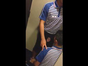 【無修正ゲイ動画】佐川急便のユニフォームを着用している2人の男がフェラチオを楽しみまくってチンコを舐めまわすww