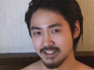 【ゲイ動画ビデオ】髭面の男前の素人ボーイがたくましいチンポを手淫し3ヶ月ぶりに精巣からザーメンを発射するww