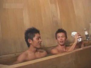 【ゲイ動画】お風呂で身体を洗いっこし興奮…細マッチョの先輩と後輩がお風呂場でのケツマン交尾にハッテンww