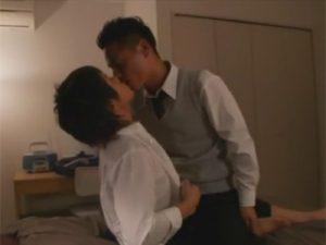 【ゲイ動画ビデオ】夜の学校で愛し合っていることを確かめた2人がベッドに移動してアナルセックスを楽しむww