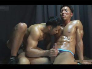 【ゲイ動画】ゴリマッチョな筋肉野郎がツイスターゲーム…当然ゲームだけでは終わるはずもなく身体を求め合い雄交尾にハッテンww