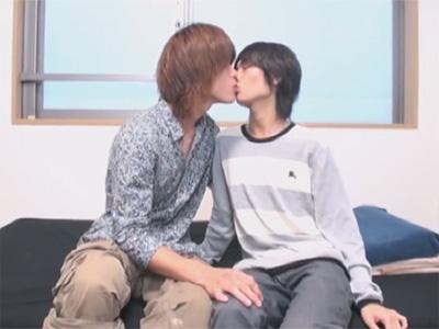【無修正ゲイ動画】可愛い系のイケメン2人が裸で愛し合って手コキをして絶頂をしてしまうww