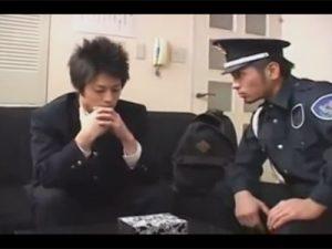 【ゲイ動画ビデオ】万引きをした少年が警備員の男に捕まってアナルとチンコをいじられてアナルセックスで犯されるww