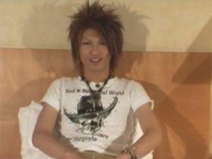 【ゲイ動画ビデオ】渋谷で遊んでいそうな色黒のギャル男系がオナニーをしている姿を見せてくれるww