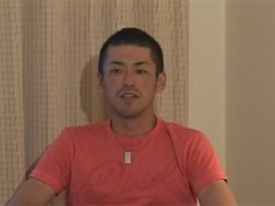 【ゲイ動画】坊主の野球をしていそうなスジ筋の男がオナニーをしている姿を見せてくれるww