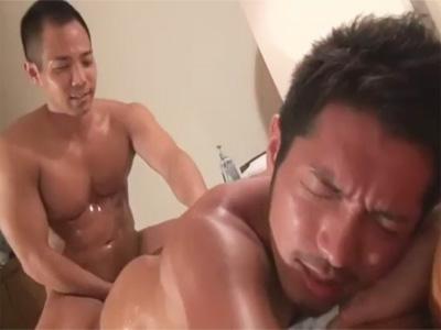 【ゲイ動画】真崎航がマッサージへ…ガチムチ兄貴のテクニックにモロ感し馬乗りパイズリでドックンドックン精子を発射ww
